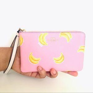 NEW Coach Corner Zip Wristlet Purse Banana 🍌Print
